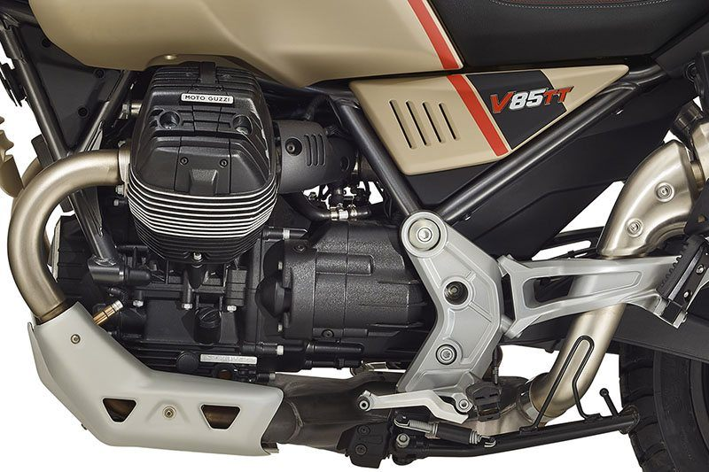 2020 Moto Guzzi V85 TT Travel in San Jose, California - Photo 6