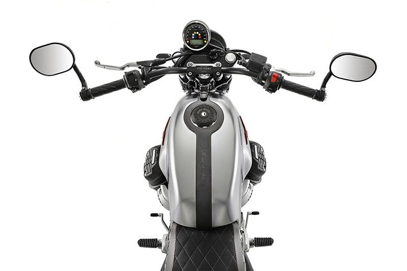 2020 Moto Guzzi V7 III Stone S in Edwardsville, Illinois - Photo 5