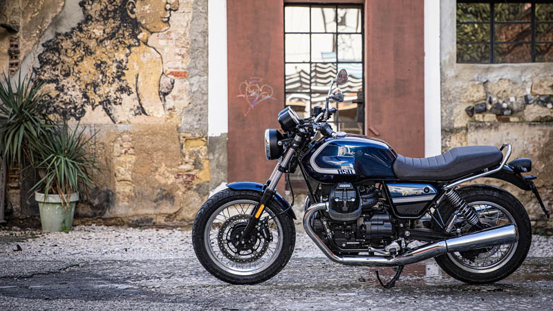 2021 Moto Guzzi V7 Special E5 in Houston, Texas - Photo 4