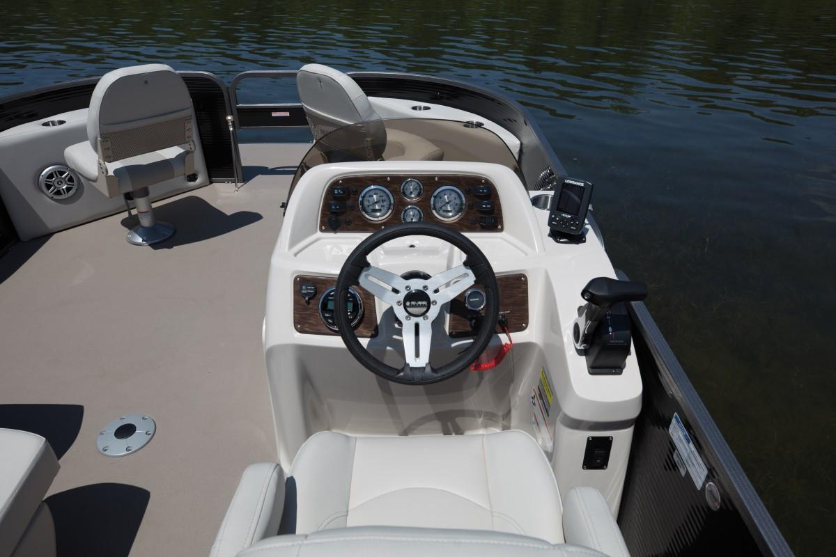2019 Manitou 20 Aurora Angler LE Standard in Madera, California - Photo 4