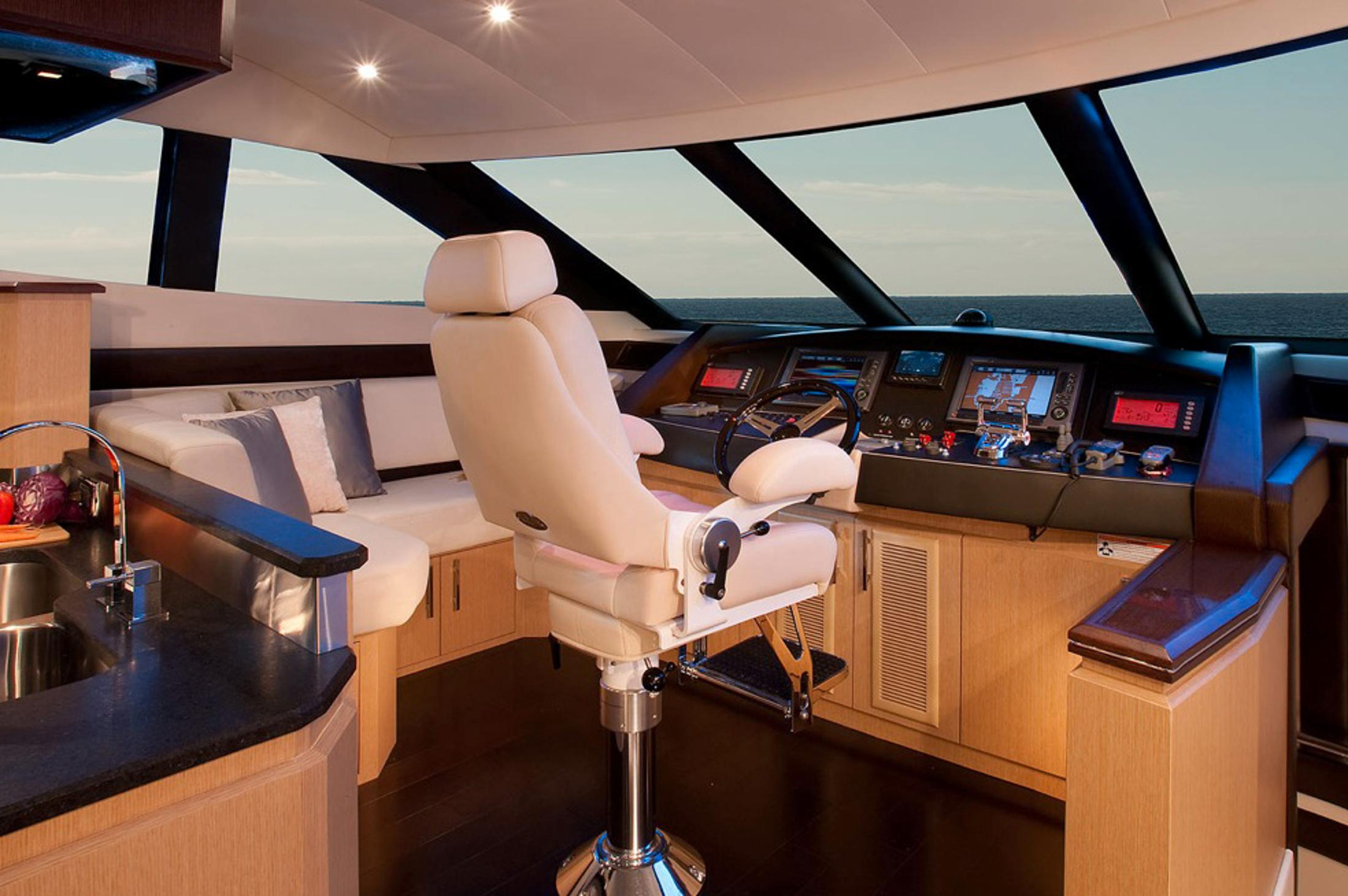 2015 Marquis 720 Fly Bridge in Madisonville, Louisiana