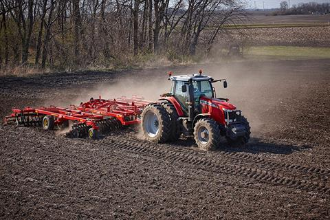 2018 Massey Ferguson 7715 Premium Row Crop Tractor (Dyna-VT) in Hazlehurst, Georgia - Photo 2