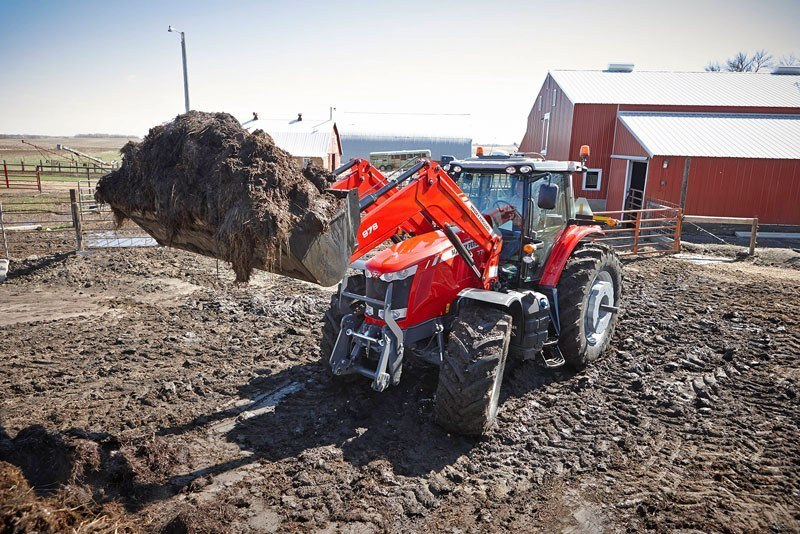 2020 Massey Ferguson 7715 Premium Dyna-4 in Hondo, Texas - Photo 2