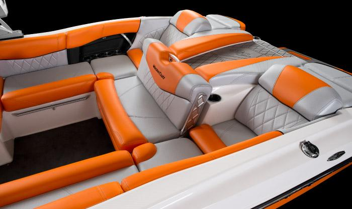 2015 Mastercraft X46 in Lake Zurich, Illinois