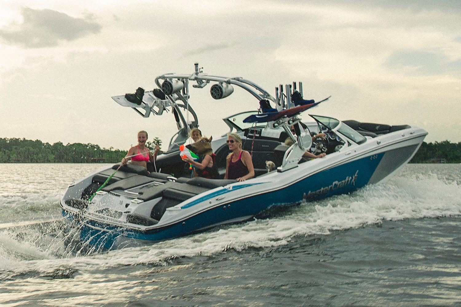 2016 Mastercraft X23 in Lake Zurich, Illinois
