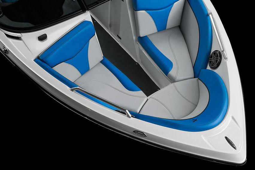 2017 Mastercraft X10 in Manitou Beach, Michigan