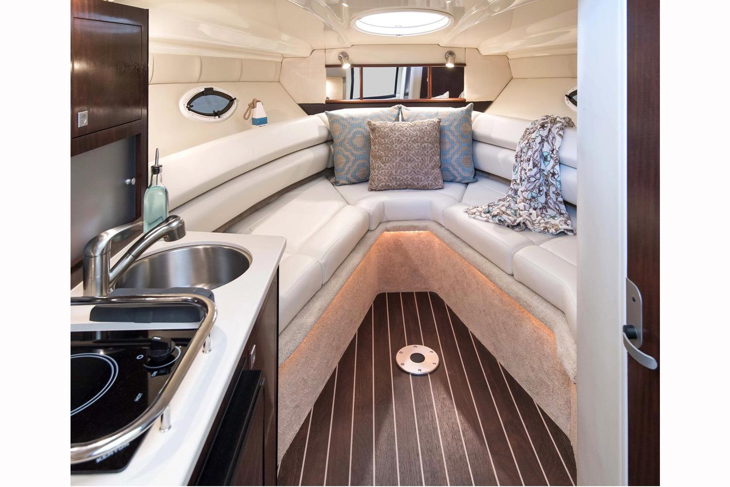 2017 Monterey 275 Sport Yacht in Holiday, Florida