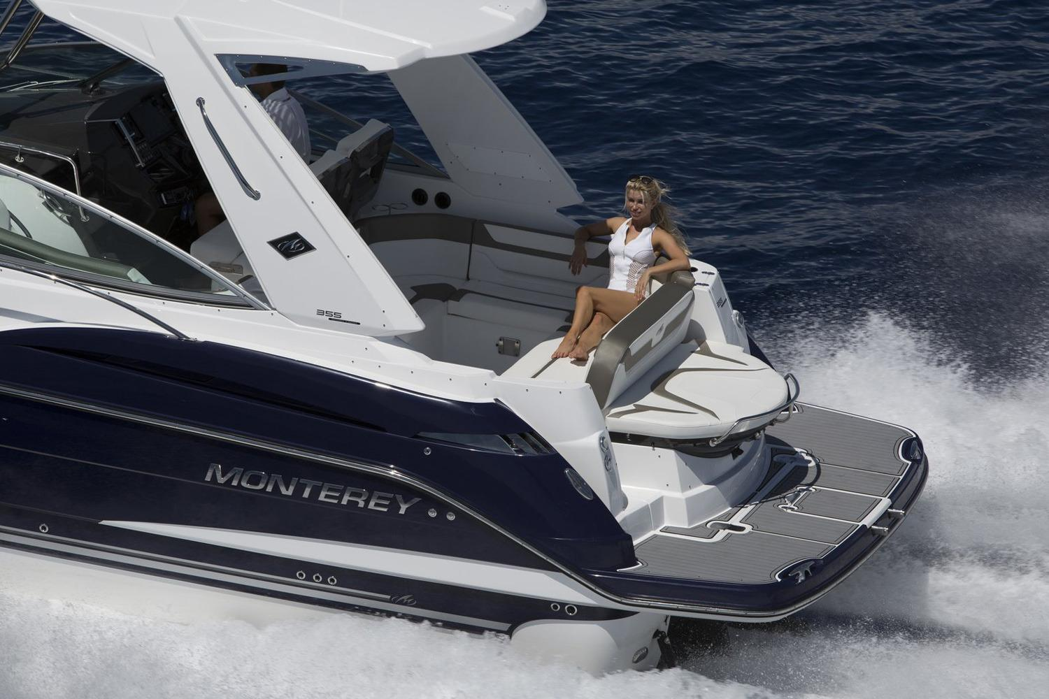 2018 Monterey 355 Sport Yacht in Holiday, Florida