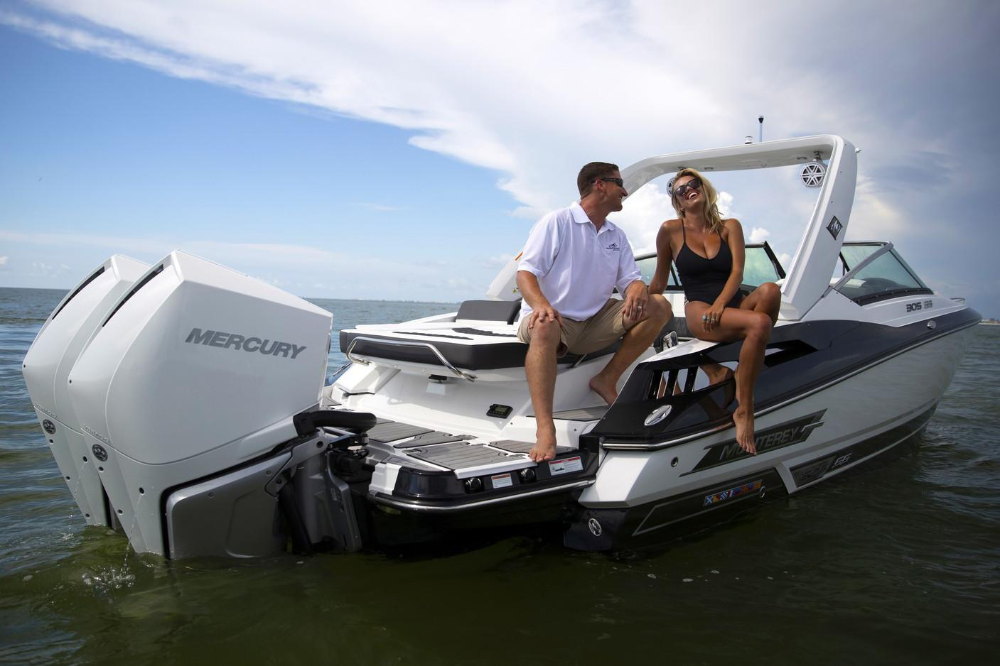 2019 Monterey 305 Sport Yacht in Holiday, Florida - Photo 3