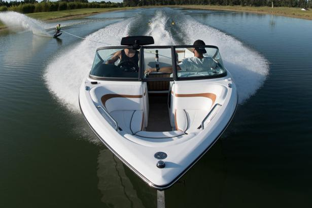 2018 Nautique Ski Nautique 200 Open Bow in Naples, Maine