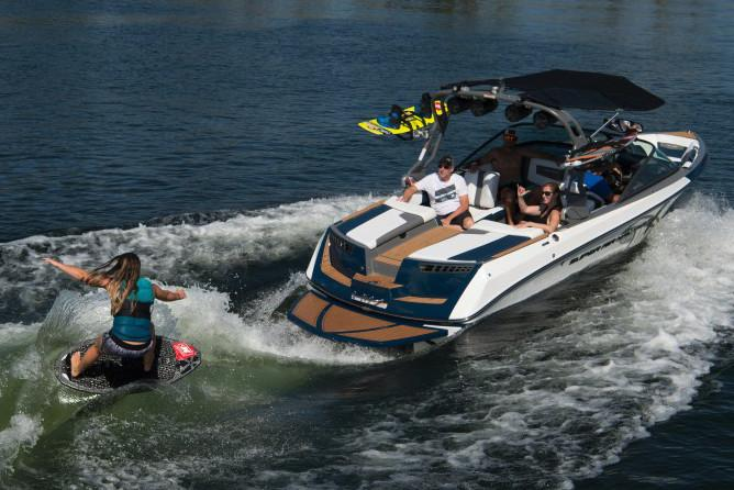 2019 Nautique Super Air Nautique 210 in Speculator, New York