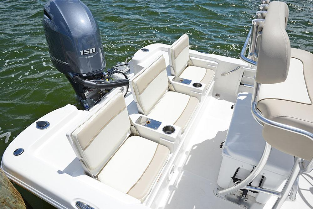 2017 NauticStar 215 XTS in Naples, Maine