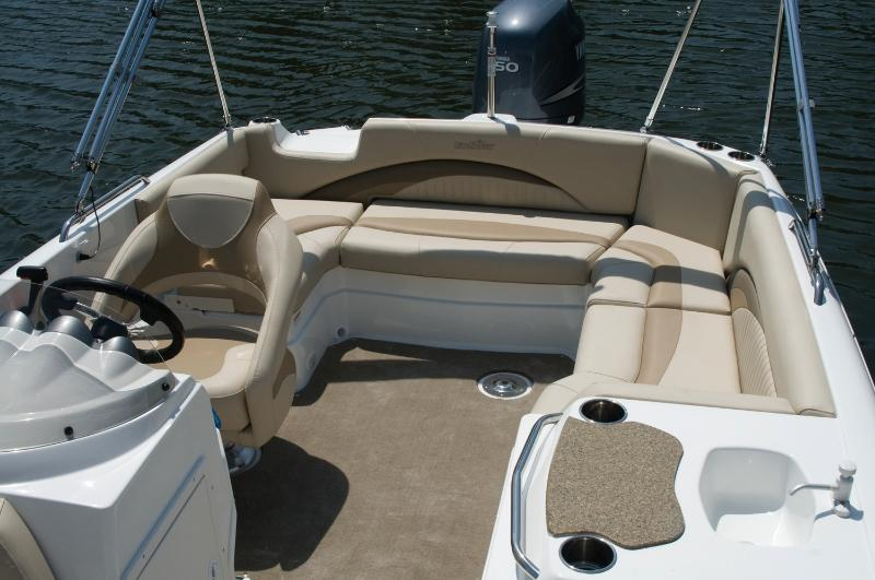 2017 NauticStar 203SC Sport Deck in Naples, Maine