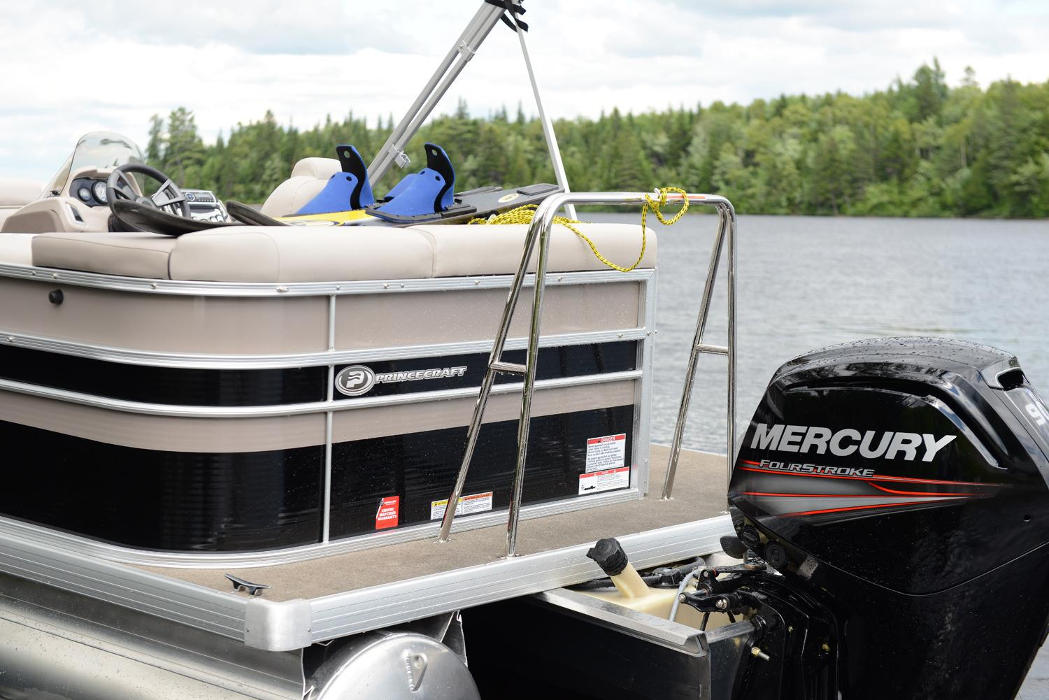 2016 Princecraft Sportfisher 23-2S in Center Ossipee, New Hampshire