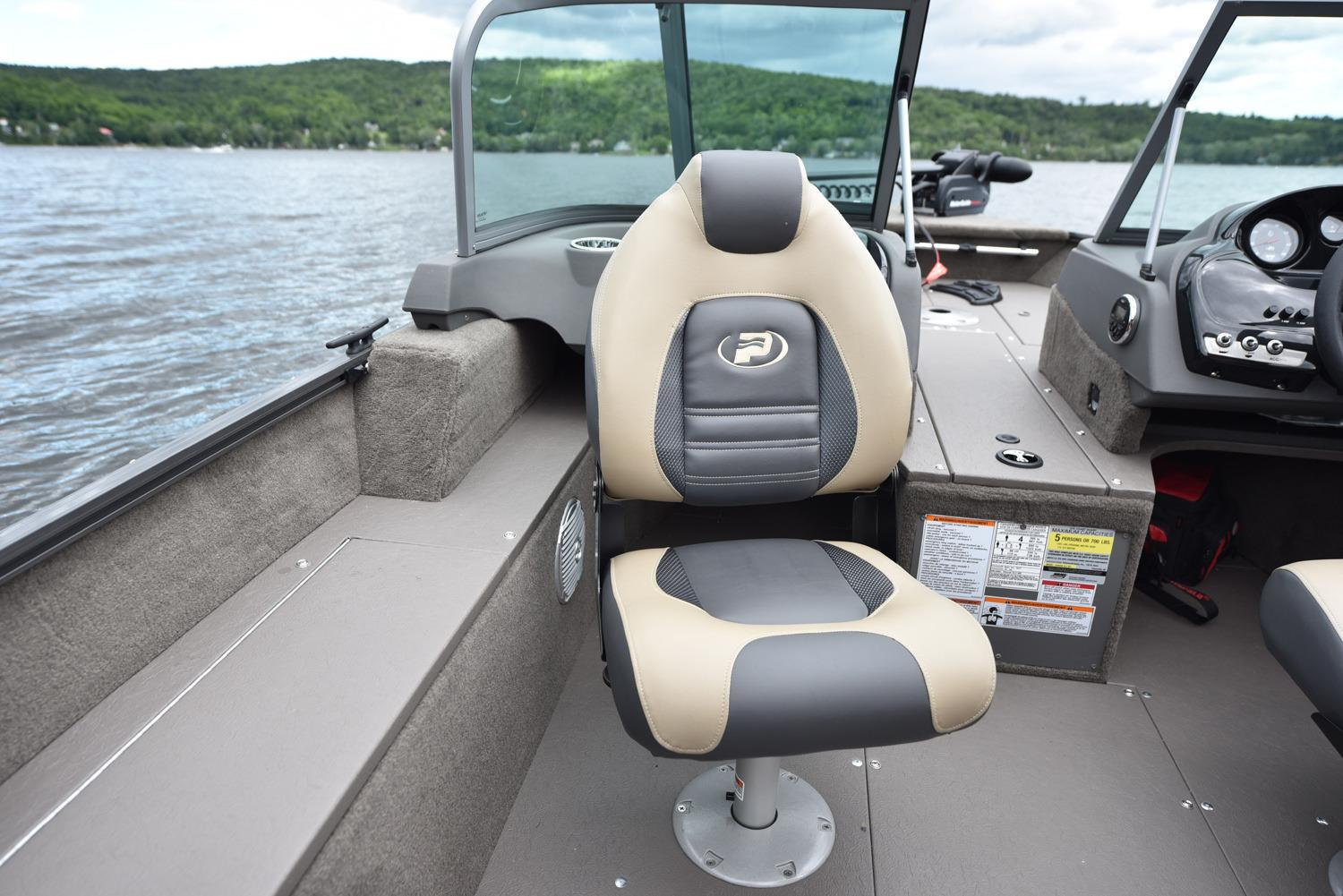 2017 Princecraft Maska DLX BT in Center Ossipee, New Hampshire