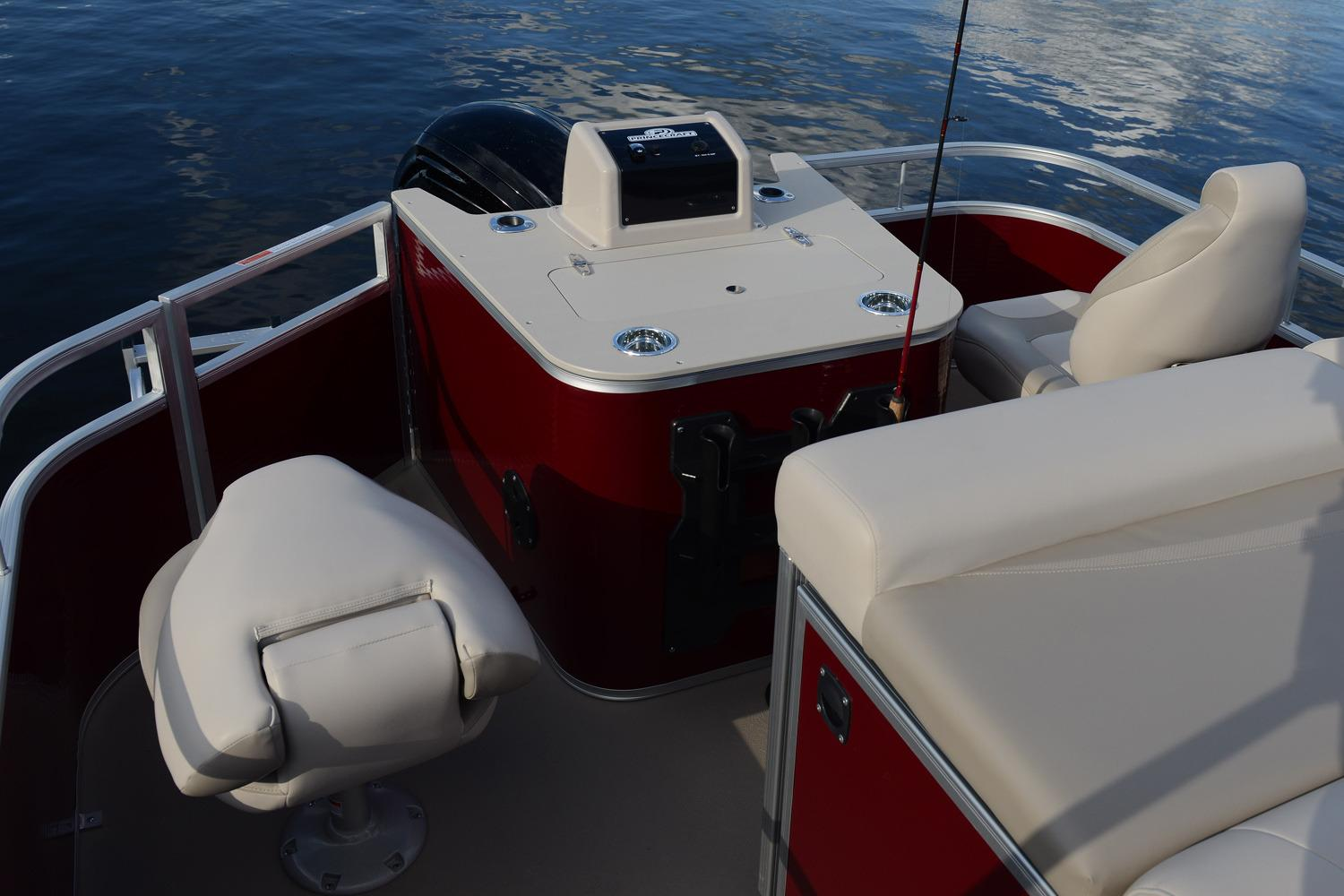 2017 Princecraft Sportfisher LX 25-4S in Center Ossipee, New Hampshire