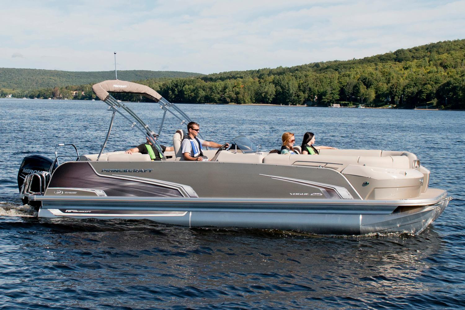 2017 Princecraft Vogue 25 in Center Ossipee, New Hampshire