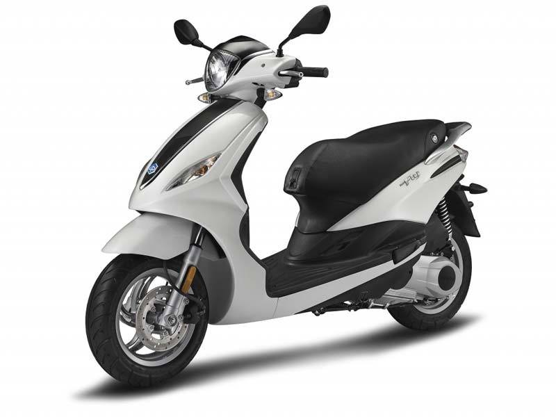 2017 Piaggio FLY 150 3V in Downers Grove, Illinois