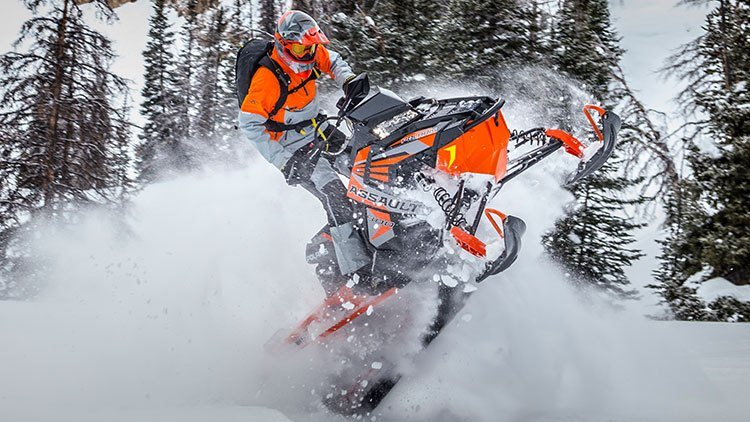 2017 Polaris 800 RMK Assault 155 Powder ES in Brighton, Michigan