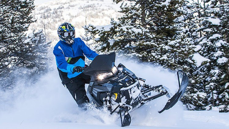 "2017 Polaris 800 Switchback Assault 144 2.0"" ES in Calmar, Iowa"