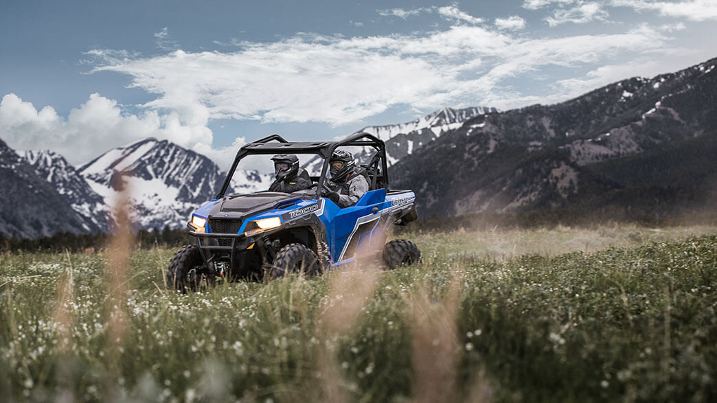 2018 Polaris General 1000 EPS Premium in Newport, Maine