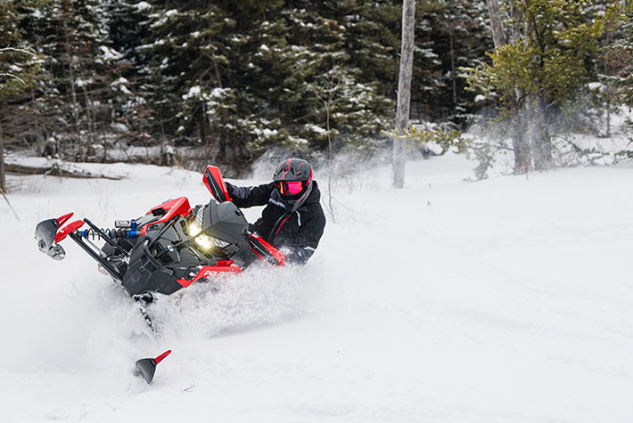 2021 Polaris 650 Indy VR1 137 SC in Saint Johnsbury, Vermont - Photo 2