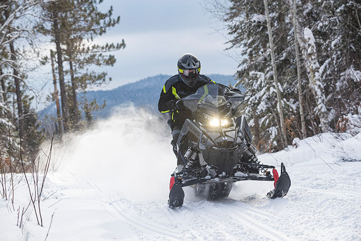 2021 Polaris 650 Indy VR1 137 SC in Hillman, Michigan - Photo 4