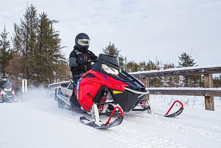 2021 Polaris 550 Indy EVO 121 ES in Milford, New Hampshire - Photo 2