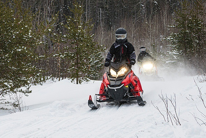 2021 Polaris 550 Indy EVO 121 ES in Fairbanks, Alaska - Photo 4