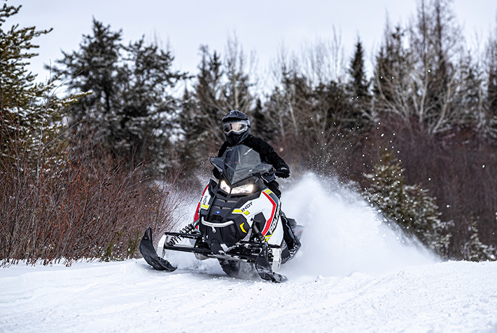 2021 Polaris 600 Indy SP 137 ES in Milford, New Hampshire - Photo 2