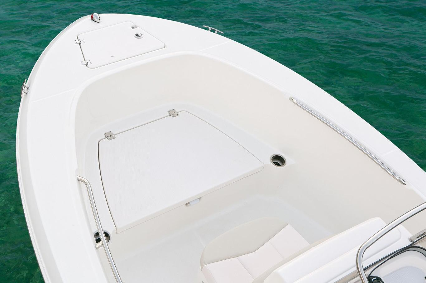2017 Robalo R180 Center Console in Round Lake, Illinois