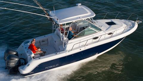 2018 Robalo R305 Walkaround in Round Lake, Illinois