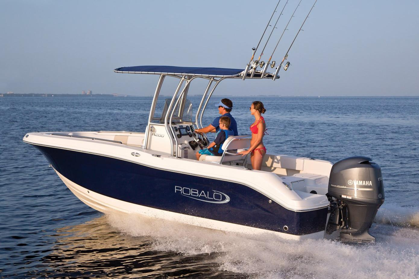 2020 Robalo R200 Center Console in Lakeport, California - Photo 2
