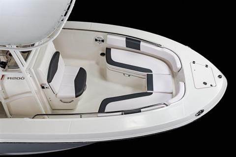 2020 Robalo R200 Center Console in Lakeport, California - Photo 5