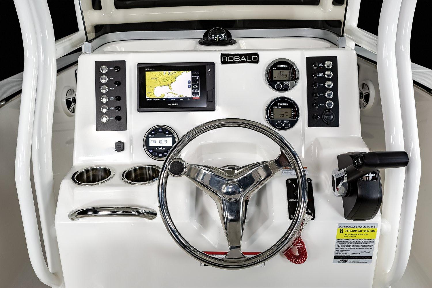 2020 Robalo R200 Center Console in Lakeport, California - Photo 8
