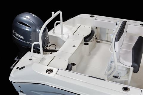2020 Robalo R200 Center Console in Lakeport, California - Photo 10