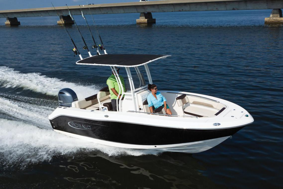 2020 Robalo R202 Explorer in Lakeport, California - Photo 1