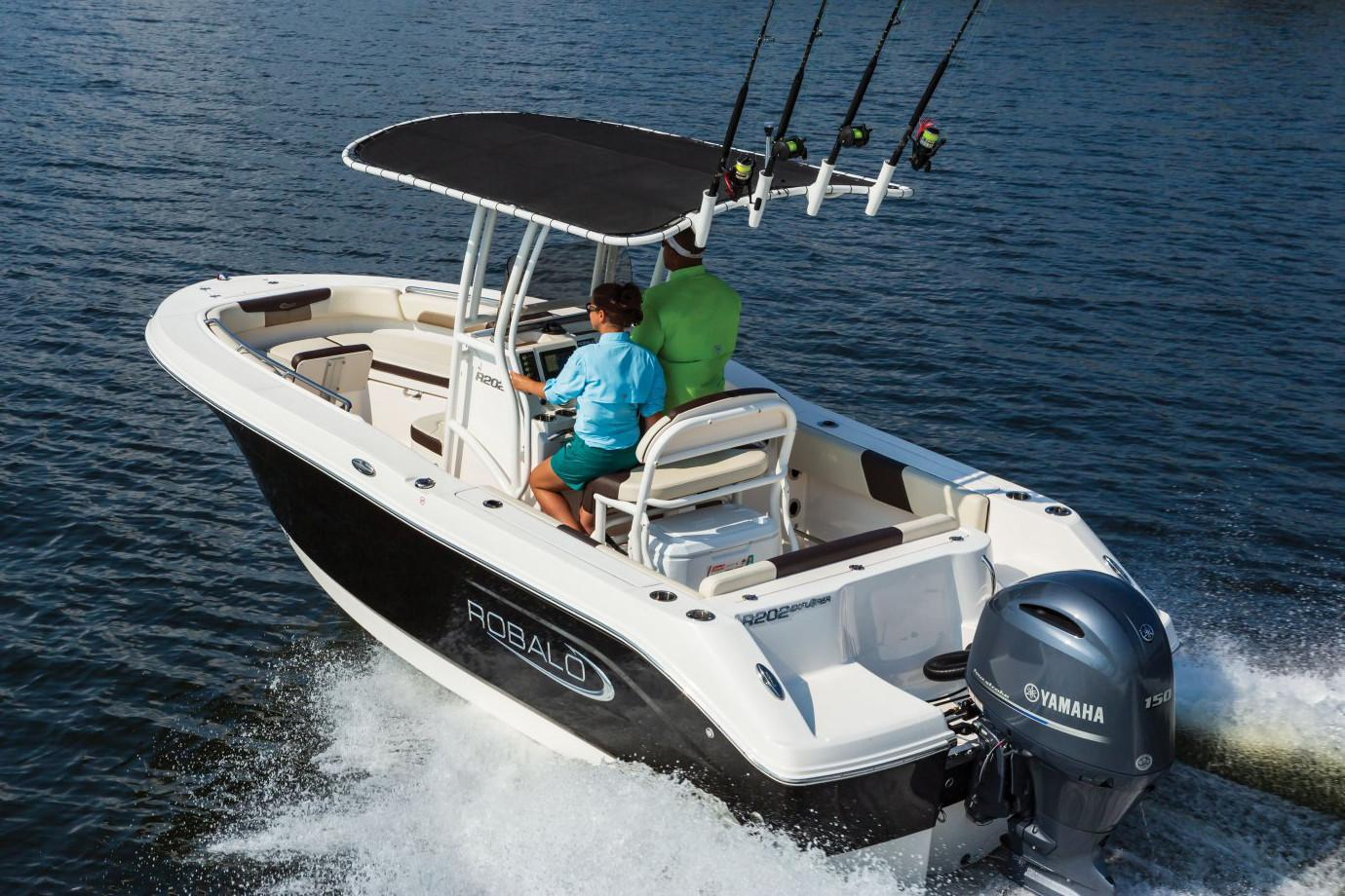 2020 Robalo R202 Explorer in Lakeport, California - Photo 3