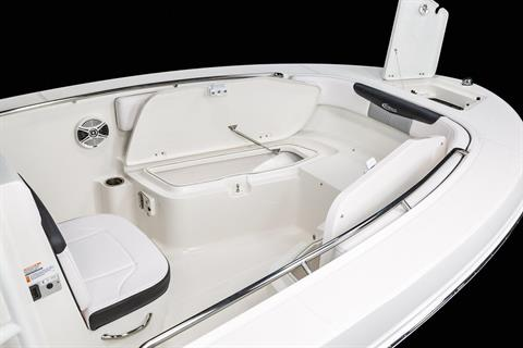 2020 Robalo R202 Explorer in Lakeport, California - Photo 5