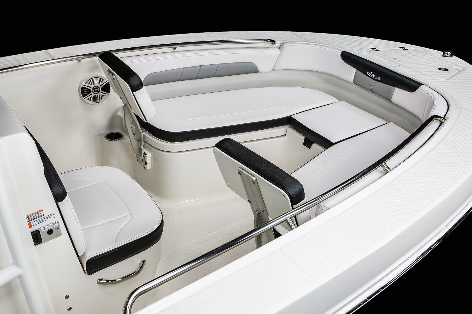 2020 Robalo R202 Explorer in Lakeport, California - Photo 6