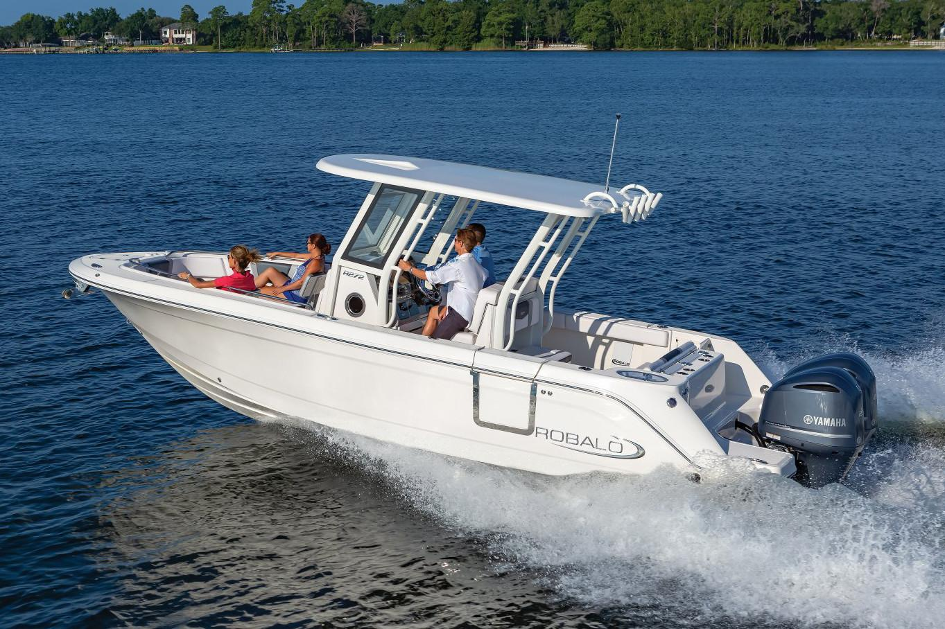 2020 Robalo R272 Center Console in Lakeport, California - Photo 3