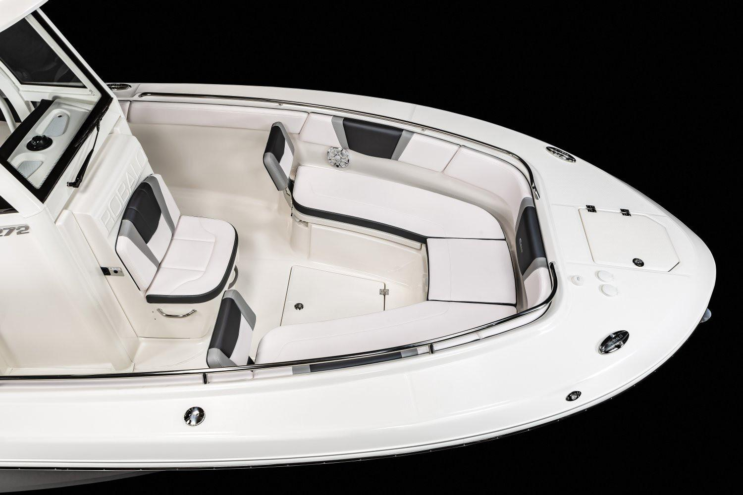 2020 Robalo R272 Center Console in Lakeport, California - Photo 4