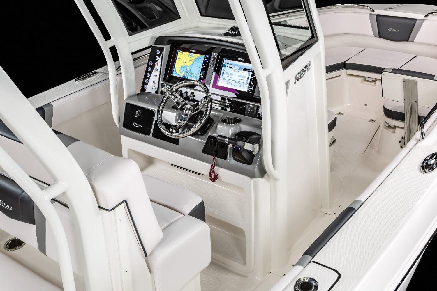 2020 Robalo R272 Center Console in Lakeport, California - Photo 7