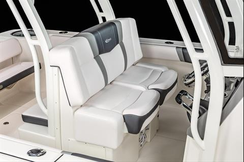 2020 Robalo R272 Center Console in Lakeport, California - Photo 9