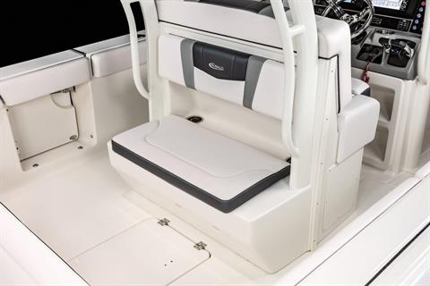 2020 Robalo R272 Center Console in Lakeport, California - Photo 11