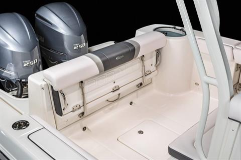 2020 Robalo R272 Center Console in Lakeport, California - Photo 13