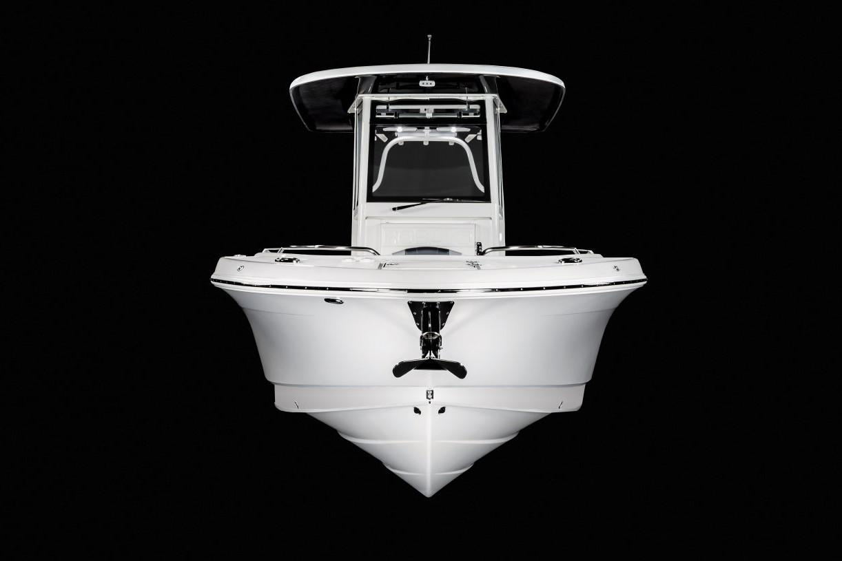 2020 Robalo R272 Center Console in Lakeport, California - Photo 16