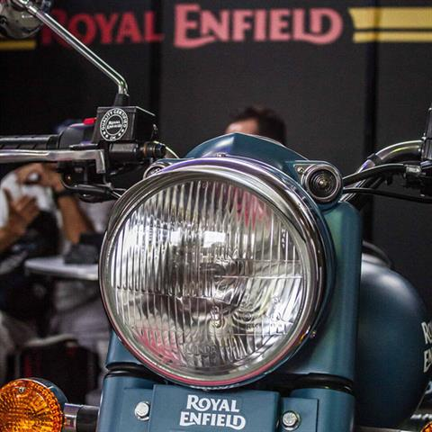 2019 Royal Enfield Classic 500 Squadron Blue in Indianapolis, Indiana - Photo 10