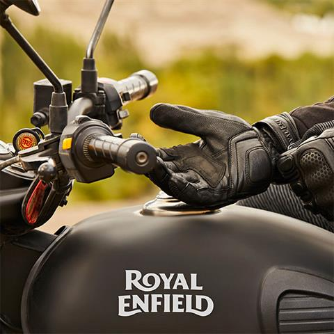 2020 Royal Enfield Classic 500 Stealth Black in Kent, Connecticut - Photo 9