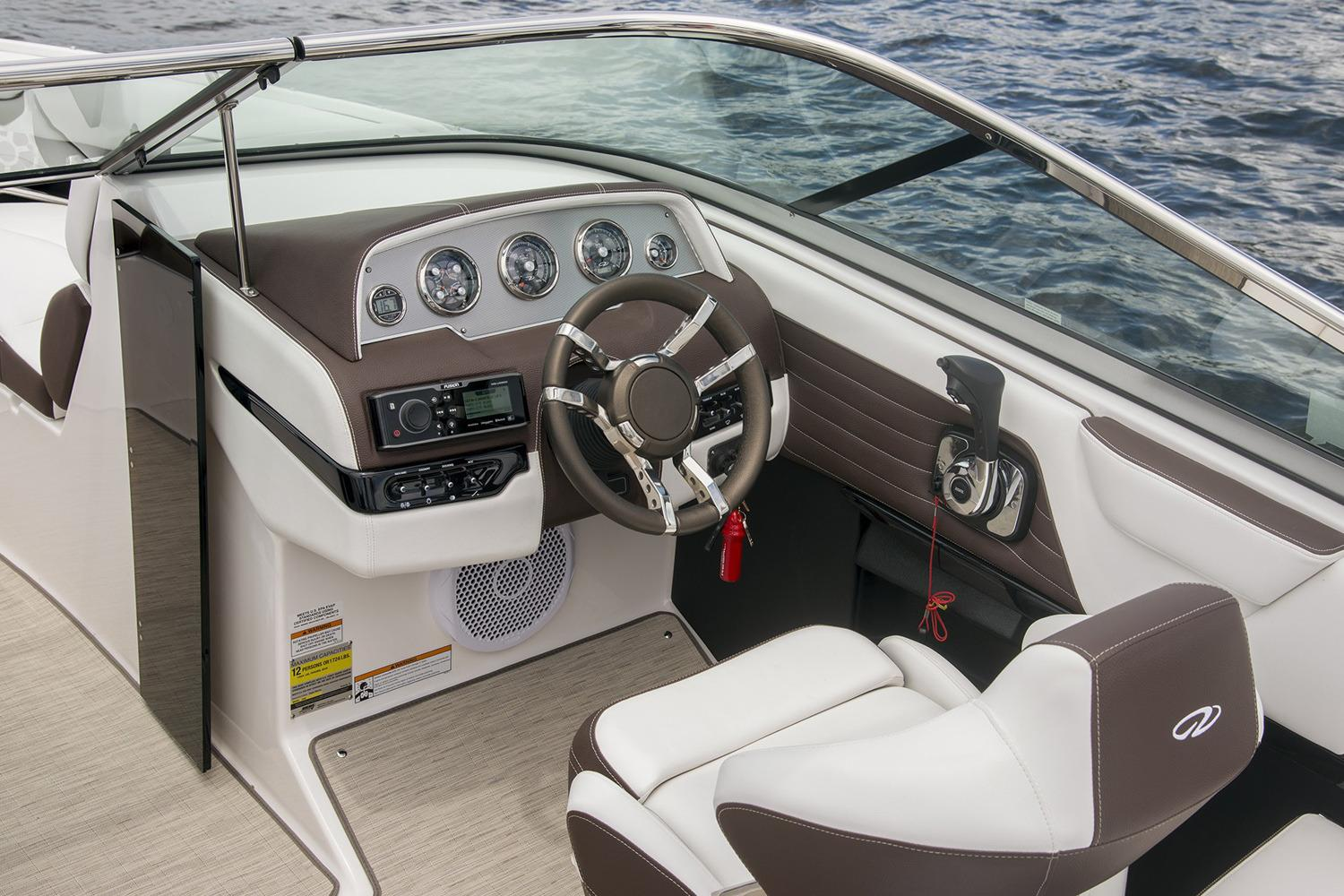 2019 Regal 2300 Bowrider in Bridgeport, New York - Photo 7